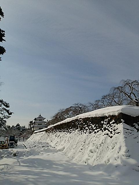『弘前城雪燈籠まつり』弘前公園