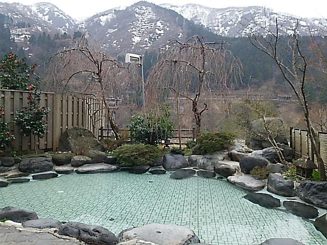 春の宇奈月温泉